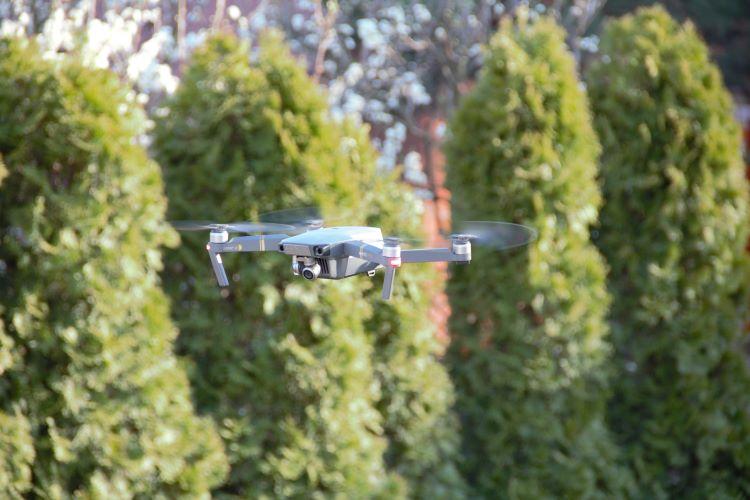 dron-ctvrty